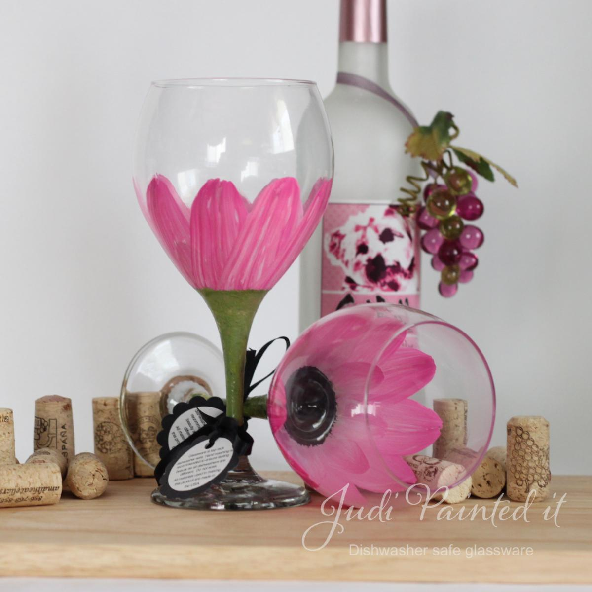 Daisy flower painted wine glass in parisian pink that is for Type of paint to use on wine glasses
