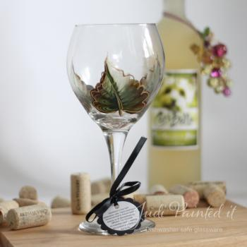 Green leaf with gold trim painted wine glass - Dishwasher safe